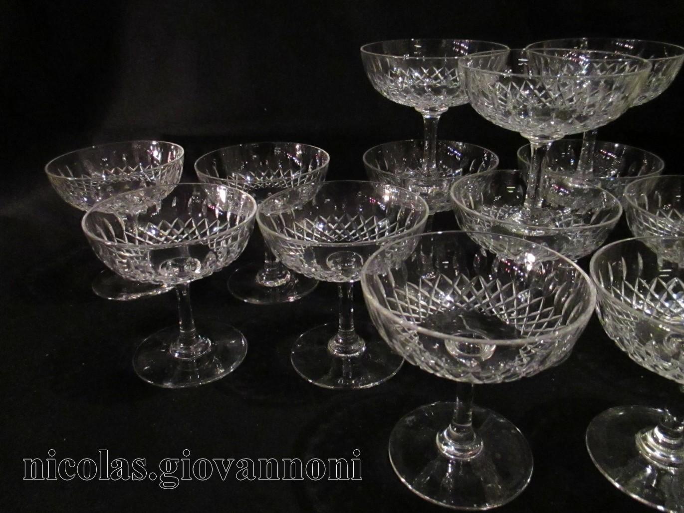 18 coupes champagne diamants biseaux baccarat cristal catalogue cristal de france. Black Bedroom Furniture Sets. Home Design Ideas