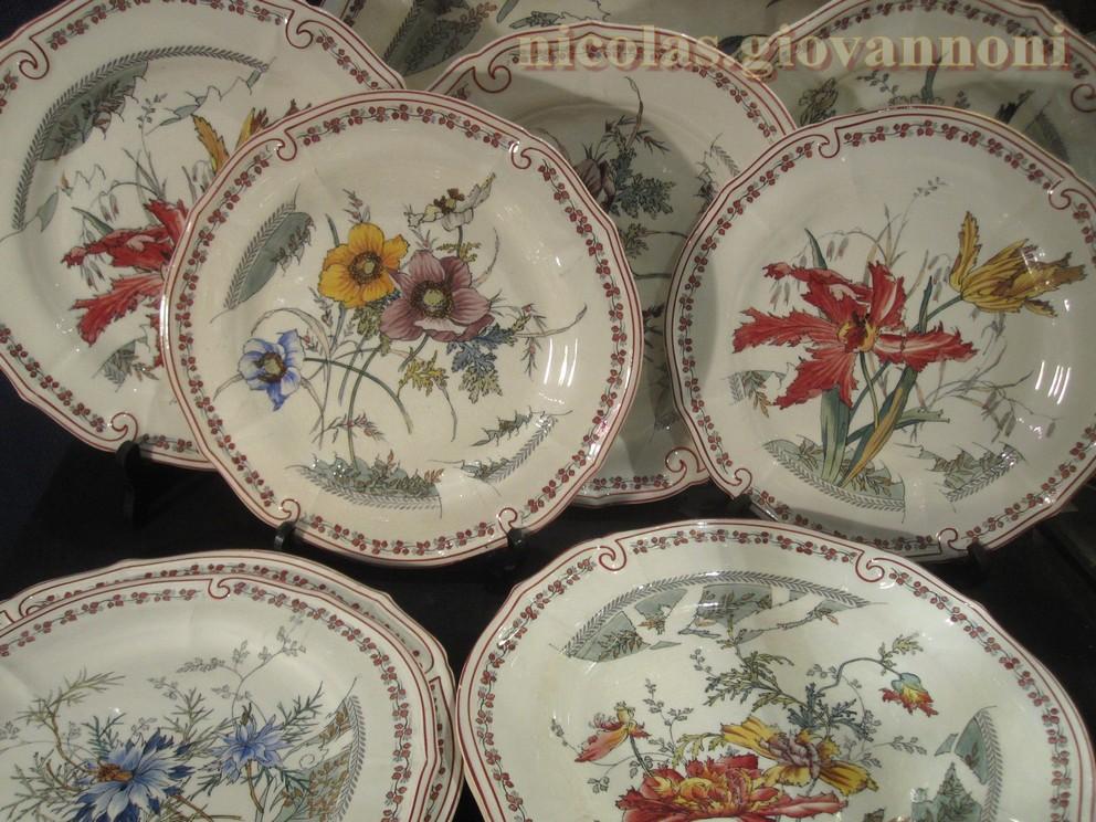 Modele Des Faience : Pièces fleurs polychromes  choisy le roy