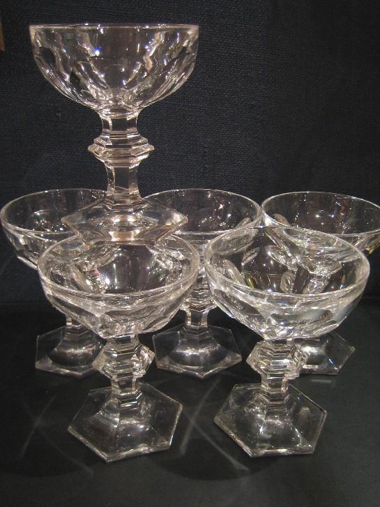 8 coupes champagne harcourt baccarat cristal. Black Bedroom Furniture Sets. Home Design Ideas