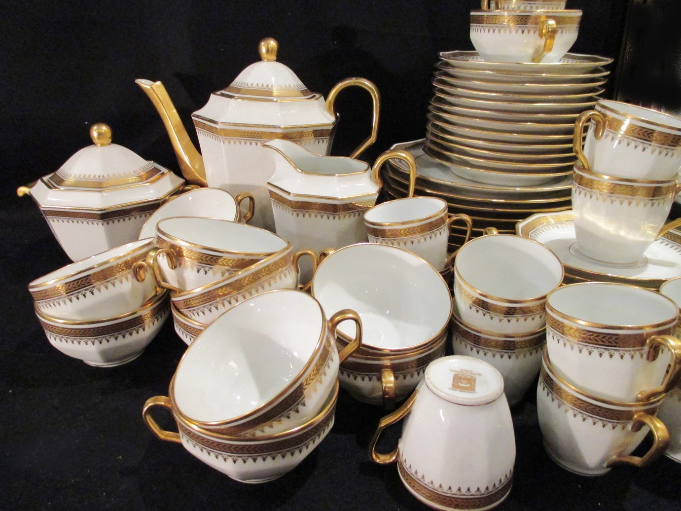 service caf th laurier or incrust 1930 legrand limoges porcelaine. Black Bedroom Furniture Sets. Home Design Ideas