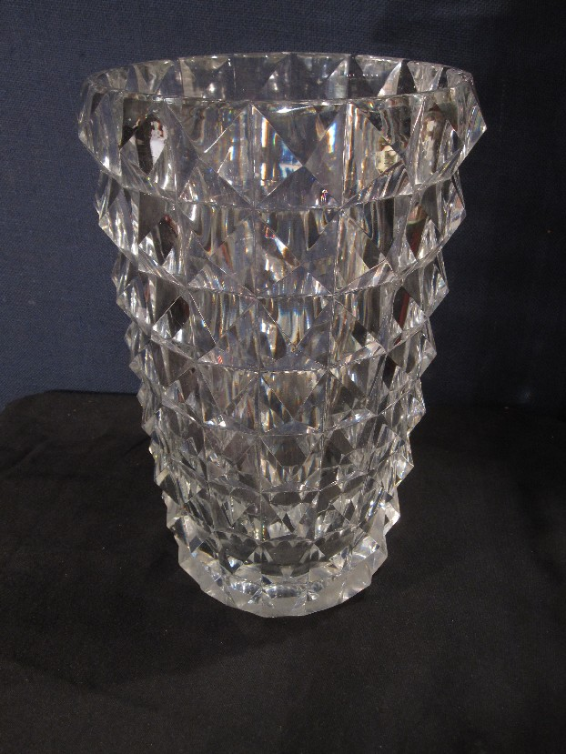 vase cristal taill vases catalogue cristal de france nicolas giovannoni. Black Bedroom Furniture Sets. Home Design Ideas